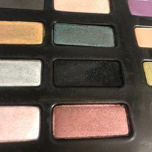 Kat Von D Makeup - Limited Edition KVD Spellbinding Palette